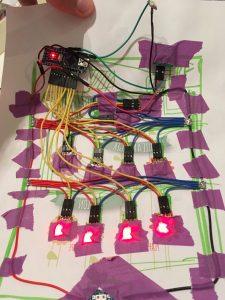 IMG 1741 e1504039898425 225x300 - Parce qu'une télécommande c'est surfait, place au cadre-télécommande !